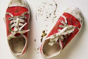 Cara Menghilangkan Noda Pada Sepatu Putih