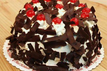 Membuat Kue Tart Coklat