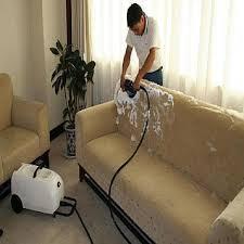 4 Alasan Kenapa Sebaiknya Memanggil Ahlinya Ketika Mencuci Sofa