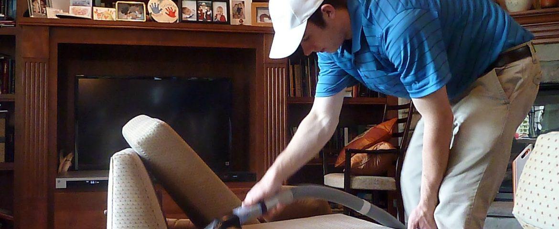 Teknik yang Benar Membersihkan Sofa Bahan Kulit