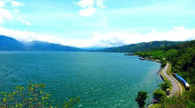 Wisata Danau Maninjau Di Bukittinggi Sumut