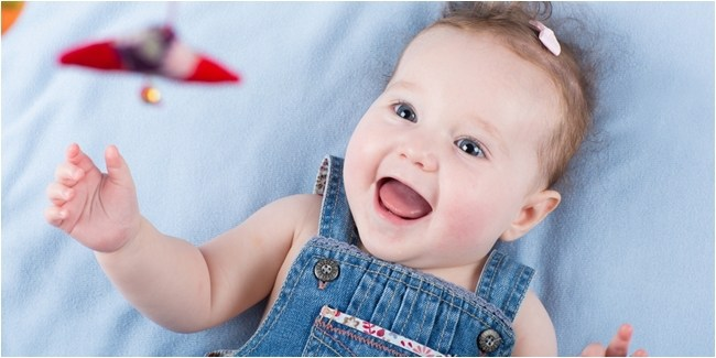 Perkembangan Bayi 6 Bulan Yang Harus Selalu Diawasi