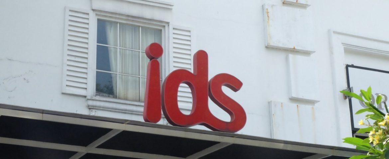 Nyamannya Kuliah Broadcasting di Internasional Design School (IDS)