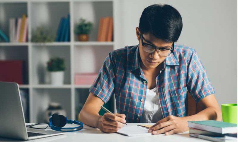 Ingin Sukses? Ikuti Tips Mengatur Waktu Kuliah Sambil Kerja!