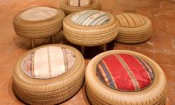 Hiasi Halaman Rumah dengan Kursi dari Ban Bekas